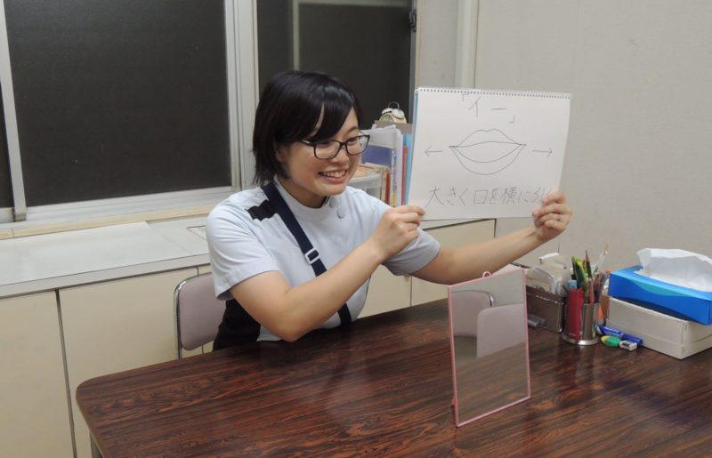 岸本仁美さん仕事風景