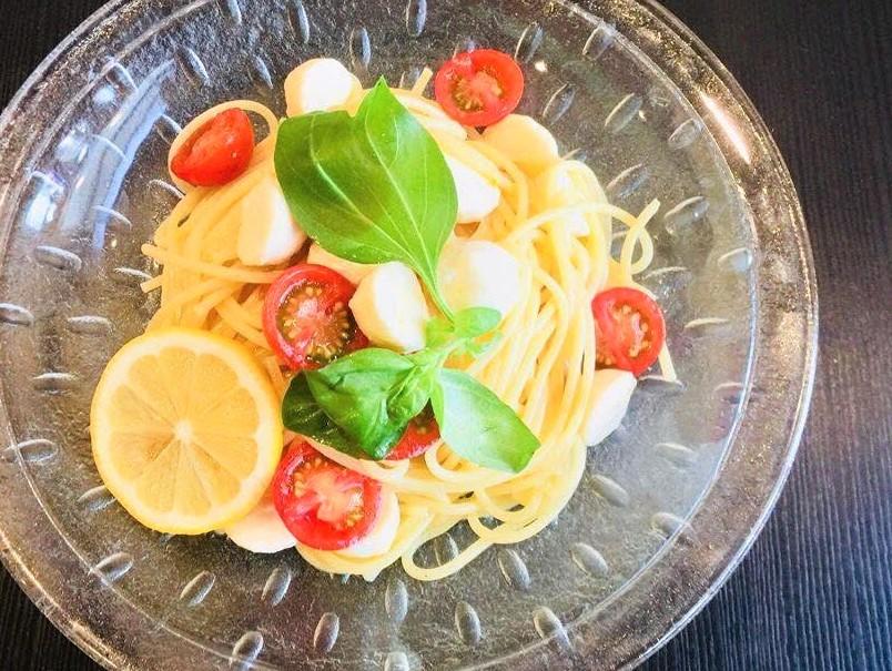 生モッツアレラチーズとトマトの冷製パスタ
